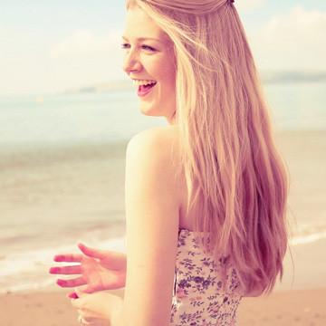 щаслива жінка